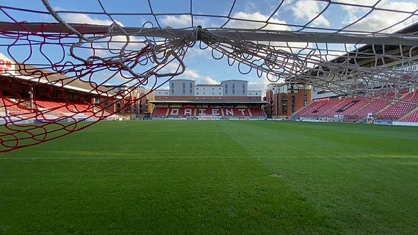 Das - menschenleere - Stadion des Viertligisten FC Leyton Orient in London