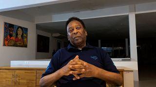 Пеле отметил 80-летие на самоизоляции