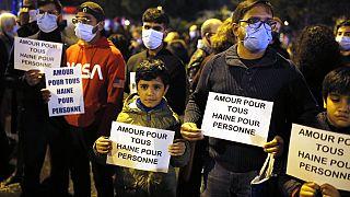 Rassemblement à Conflans-Sainte-Honorine en hommage à Samuel Paty