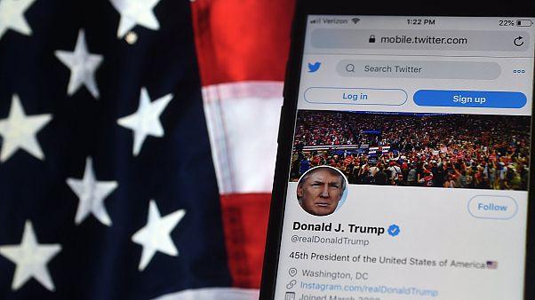 حساب تويتر للرئيس الأمريكي دونالد ترامب على هاتف محمول، أرلينغتون، فيرجينيا، الولايات المتحدة، 10 أغسطس 2020