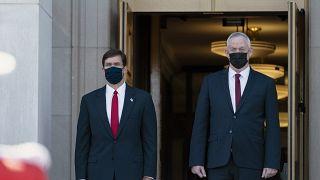 وزير الدفاع الأمريكي مارك إسبر ونظيره الإسرائيلي بيني غانتس في البنتاغون 22 أكتوبر 2020