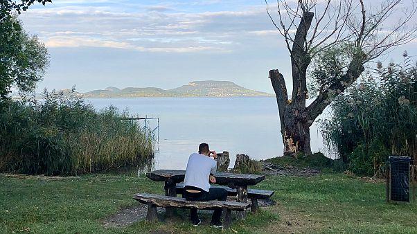Kevés helyen közelíthető meg a Balaton vize a part természetes állapotában - 2020 ősze, Balatongyörök,