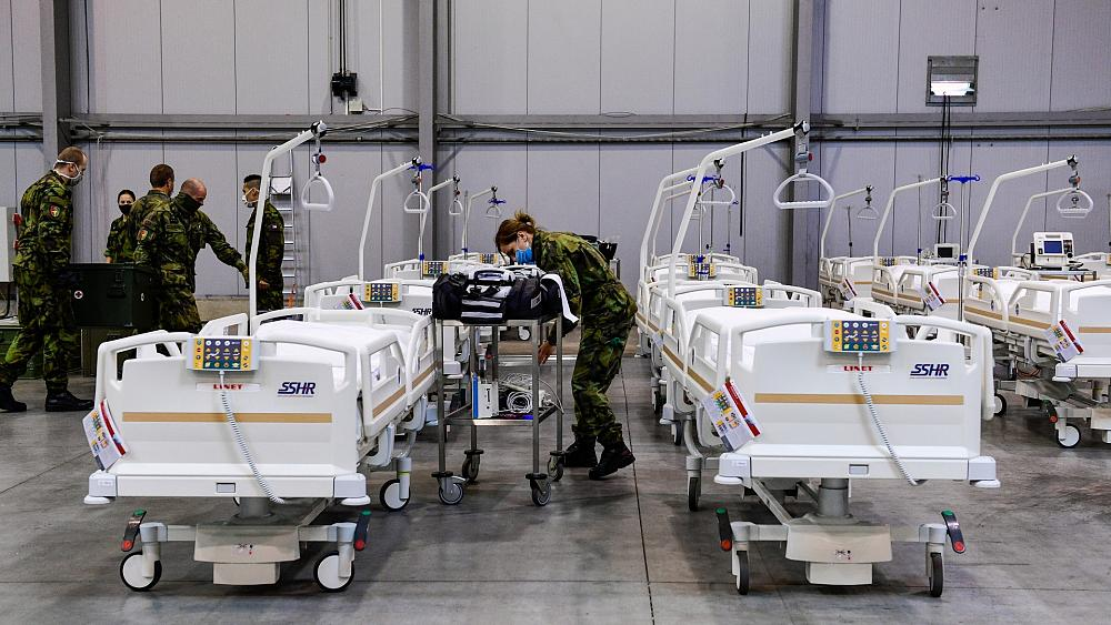 Coronavirus: Czech army sets up 500-bed field hospital in anticipation of COVID-19 surge