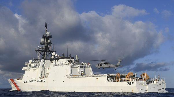 سفينة حربية أمريكية في المحيط الهادئ