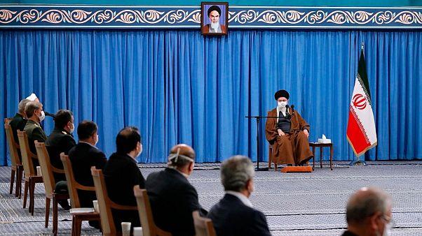دیدار خامنهای با روحانی و اعضا ستاد کرونا