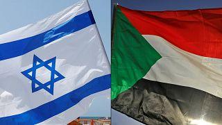 علم إسرائيل (يسار)، علم السودان (يمين)