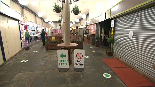 Face aux nouvelles restrictions sanitaires, l'inquiétude des commerçants et restaurateurs