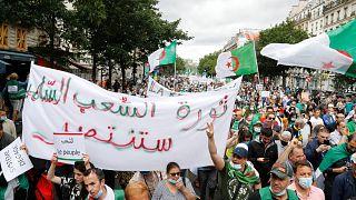 مظاهرة المغتربين الجزائريين في باريس لدعم حركة الاحتجاج الرئيسية في الجزائر،  5 يوليو / تموز 2020