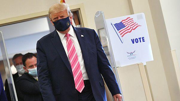 ترامب يدلي بصوته