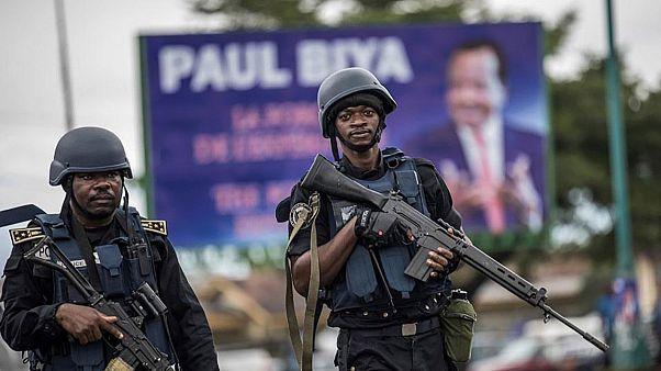 Kamerun'un güneybatısından bulunan Kumba şehrinde bir okula düzenlenen saldırıda en az 8 çocuk hayatını kaybetti