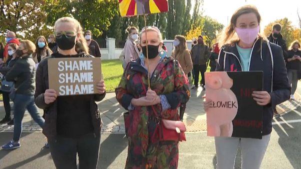 Újra tüntettek a lengyel abortusztörvény ellen