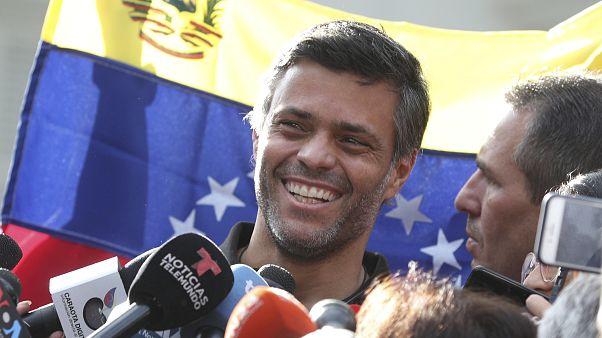 Venezuela : le ténor de l'opposition Leopoldo Lopez a quitté Caracas pour l'Espagne