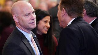 مارك شورت (إلى اليسار) قبل توقيع اتفاقية تجارية بين الولايات المتحدة والصين خلال حفل بالبيت الأبيض، واشنطن، 15 يناير 2020