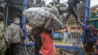 Colère au Nigéria après la découverte de vivres cachées aux habitants