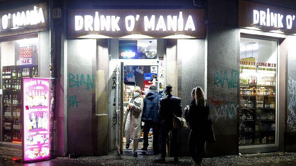 Vor der Sperrstunde in Berlin