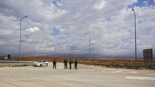 مدخل معبر اللنبي الحدودي، المعبر الحدودي الرئيسي للفلسطينيين المسافرين من الضفة الغربية  إلى الأردن المجاور، الاثنين 10 مارس 2014