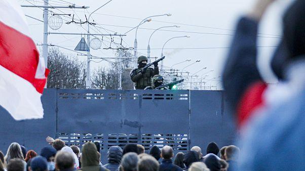 Opponents of Belarusian President Lukashenko demonstrate in MInsk