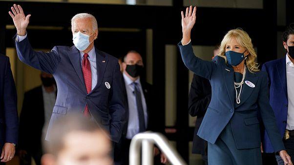 Joe Biden und seine Frau Jill bei der Stimmabgabe