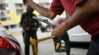 ABD, İran Petrol Bakanı ve bakanlığını yaptırım listesine aldı