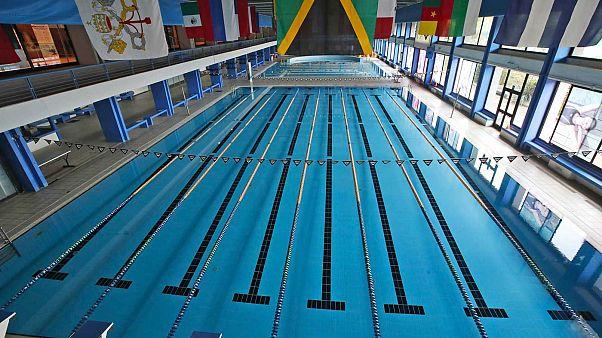 Con il nuovo Dpcm, chiudono le piscine. Ma la domanda da un milione di dollari è: quanti focolai ci sono stati nelle piscine italiane?