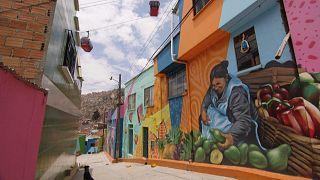 Nicht nur für Touristen: Bunte Mauern in La Paz