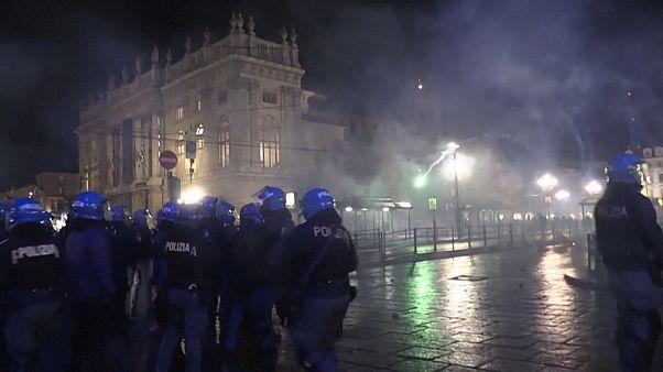 ویدئوی درگیریها در ضدیت با محدودیتهای کرونایی در ایتالیا