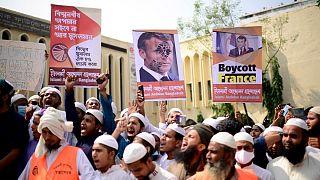 اعتراض مسلمانان بنگلادشی به رئیس جمهور فرانسه