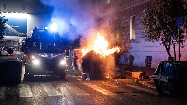 Covid, violenze in piazza in Italia. Giro di vite in tutta Europa