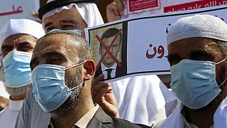 Estudiantes religiosos palestinos protestan contra el presidente francés en Gaza este lunes