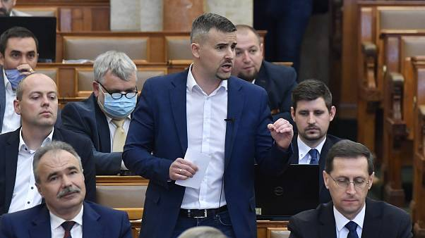 The Jobbik party leader Péter Jakab has accused the prime minister of buying the votes of people kept in poverty.