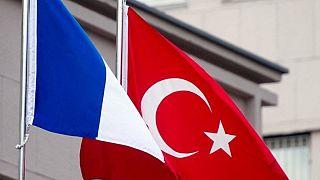 Türkiye ve Fransa bayrakları