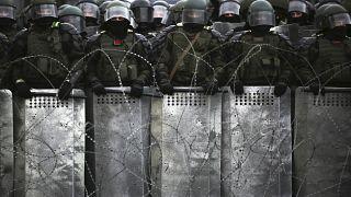 Белорусский ОМОН на митинге оппозиции.