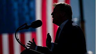 Donald Trump durante un mitin en Phoenix, Arizona