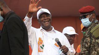 Alassane Ouattara met la pression sur ses adversaires