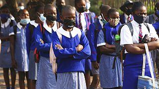 Zimbabwe'nin başkenti Harare'de okullar eylül ayı sonunda yeniden açıldı