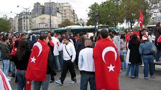 Paris'teki Türklerin gösterisi (arşiv)