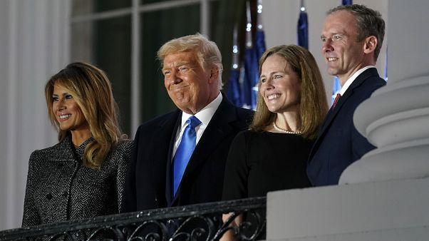 Das Ehepaar Barrett mit dem Ehepaar Trump nach der Vereidigung von Amy Coney Barrett