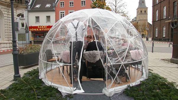 En Allemagne, des igloos pour défier le Covid-19