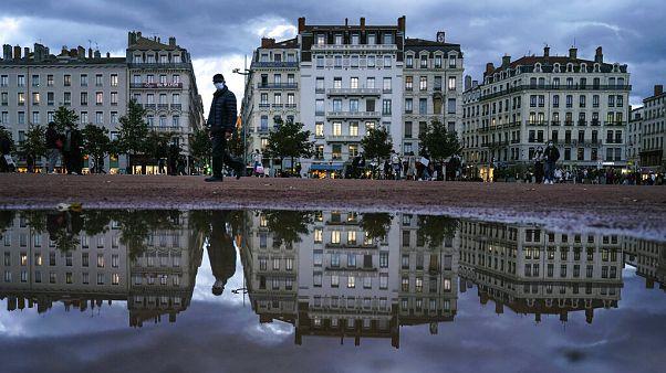 Confinamentos generalizam-se na Europa