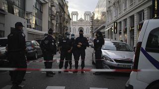 الشرطة الفرنسية في إحدى شوارع باريس. 2020/10/29