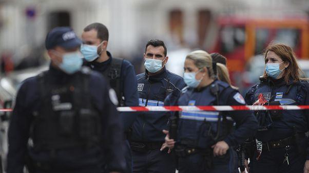Polizei vor Notre Dame Basilika in Nizza, 29. Oktober 2020