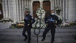 Nice presta homenagem a vítimas de ataque islamista