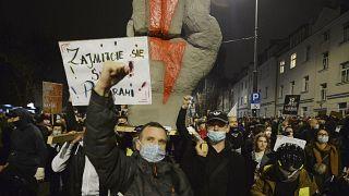 Акция протеста против запрета абортов в Варшаве 30 октября 2020