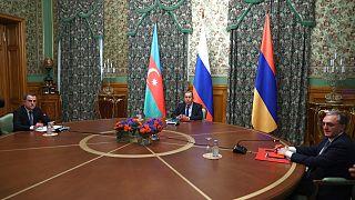 Azeri ve Ermeni Dışişleri Bakanları Rus mevkidaşları Sergey Lavrov ile birlikte