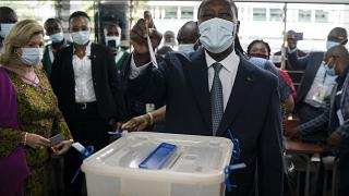 Ivory Coast: Ouattara votes, calls for end to civil disobedience