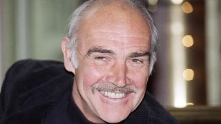 The Scottish actor Sean Connery gives photographers a friendly smile during a press conference in Hamburg.