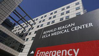 صورة من الأرشيف- مبنى مركز رونالد ريغان الطبي بجامعة كاليفورنيا في لوس أنجلوس.