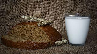 تقاضا برای اضافه شدن ویتامین د به نان و شیر