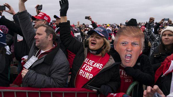 Unterstützer von Donald Trump bei einer Kundgebung in Michigan am 1. November