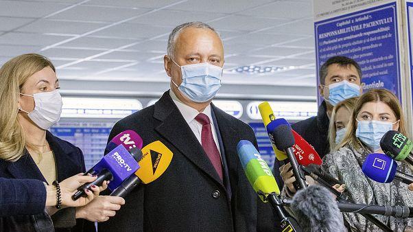 Présidentielle moldave : le président pro-russe et la candidate pro-UE au 2e tour